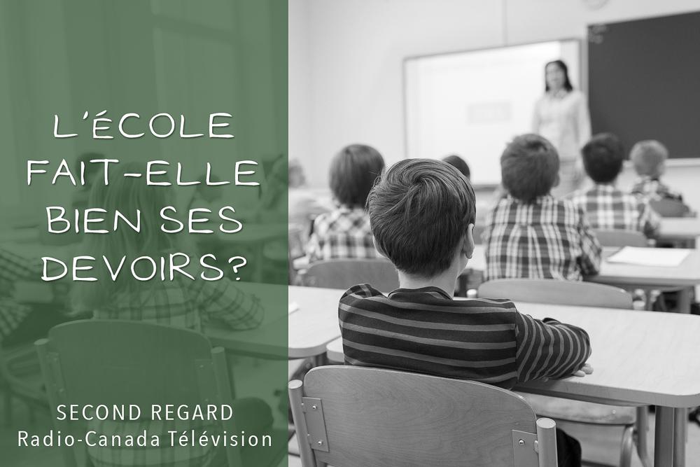Salle de classe à l'école primaire, annonce de reportage sur l'éducation au Québec.