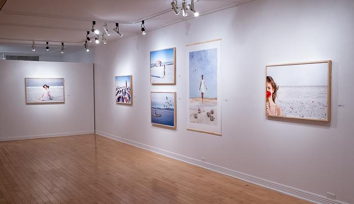 vue d'exposition de la série d'oeuvres photographiques Traversée boréale de Catherine Rondeau au Centre d'exposition Mont-Laurier