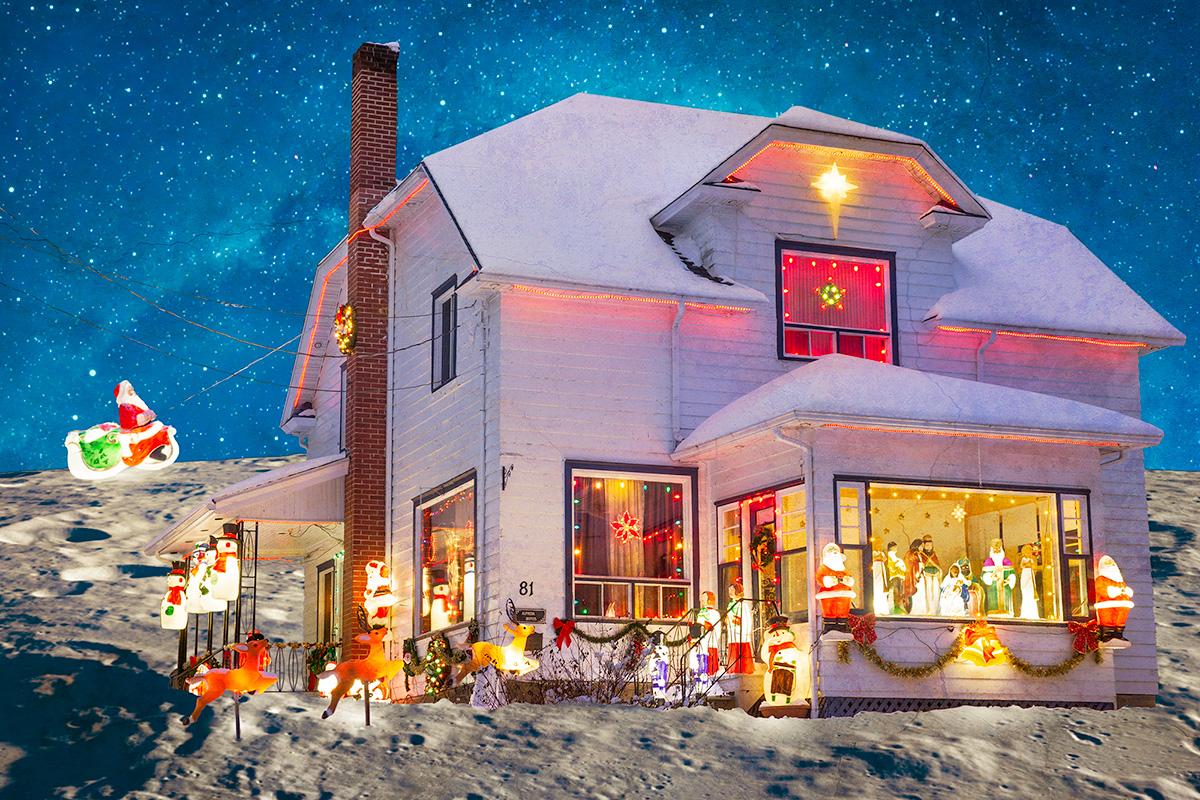 photo surréelle d'une maison posée sur la lune saturée de décoration de Noël
